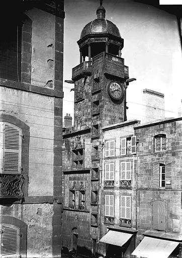 Tour de l'horloge , Enlart, Camille (historien),