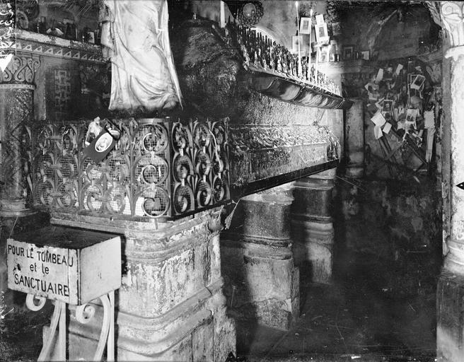 Eglise Sainte-Radegonde Tombeau de sainte Radegonde, Gossin (photographe),