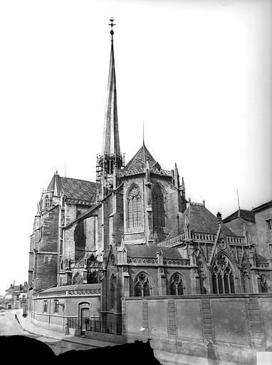 Cathédrale Saint-Bénigne Ensemble est. Flèche en cours de construction, Delaunay (photographe),