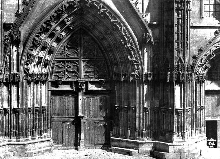 Cathédrale Saint-Etienne (ancienne) Portail central de la façade ouest, Le Secq, Henri (photographe),