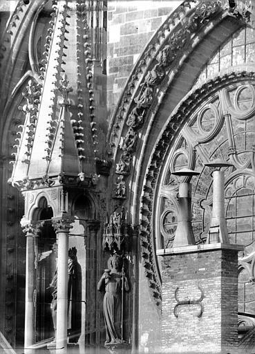 Cathédrale Notre-Dame Pinâcle et partie de la rose sud, Lajoie, Abel,