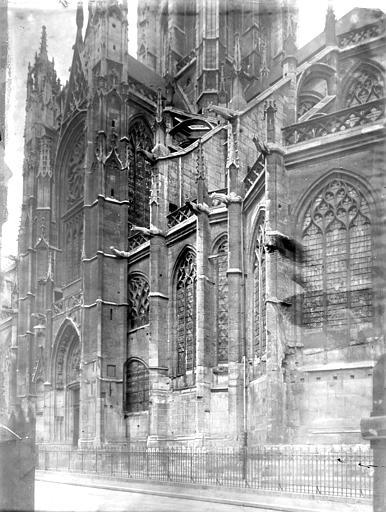 Eglise Saint-Laurent Partie latérale, Enlart, Camille (historien),