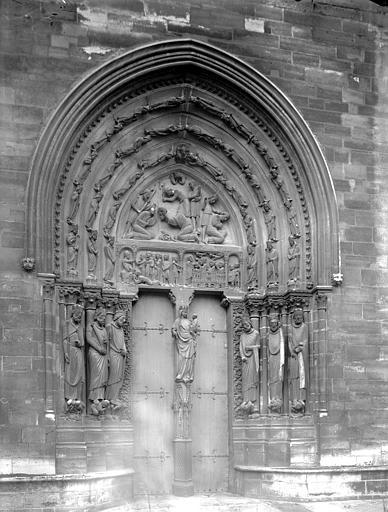 Eglise abbatiale Portail nord, Enlart, Camille (historien),