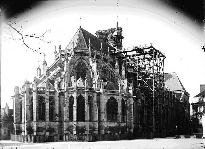 Cathédrale Saint-Cyr-et-Sainte-Julitte Ensemble nord-est, Enlart, Camille (historien),