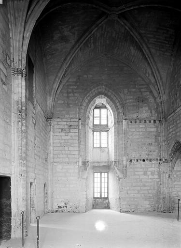 Palais des Papes Sacristie de la tour Saint-Laurent : Vue intérieure côté ouest, Durand, Jean-Eugène (photographe),