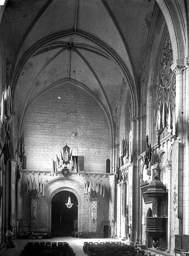 Eglise Sainte-Radegonde Nef, vue du choeur, Durand, Eugène (photographe),