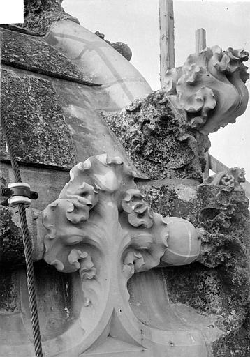 Cathédrale Saint-Gatien Couronnement d'un clocher : crochet, ,