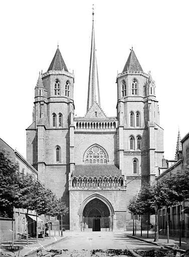 Cathédrale Saint-Bénigne Façade ouest, Mieusement, Médéric (photographe),