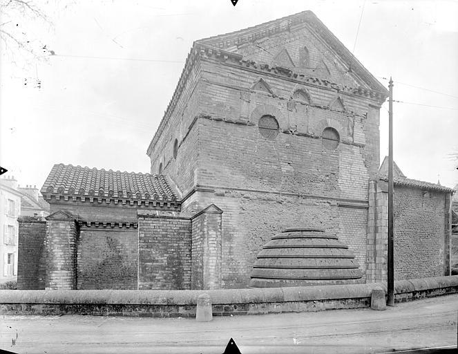 Baptistère Saint-Jean Façade nord, Gossin (photographe),