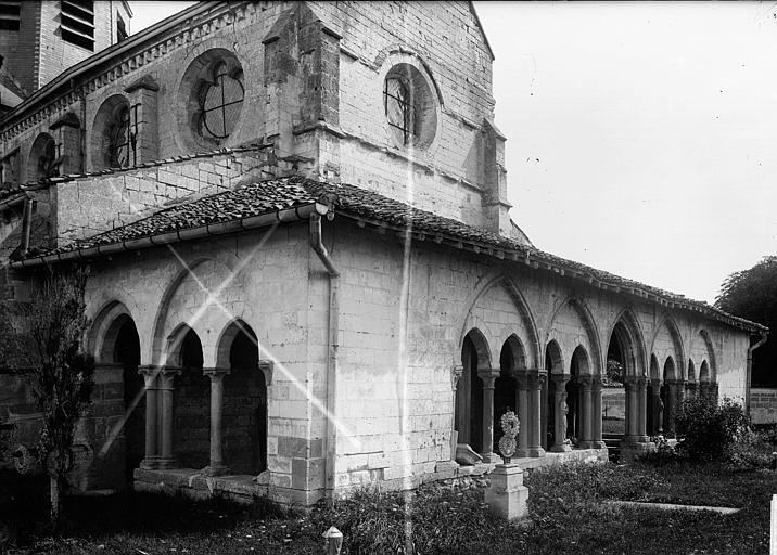 Eglise Porche, Enlart, Camille (historien),