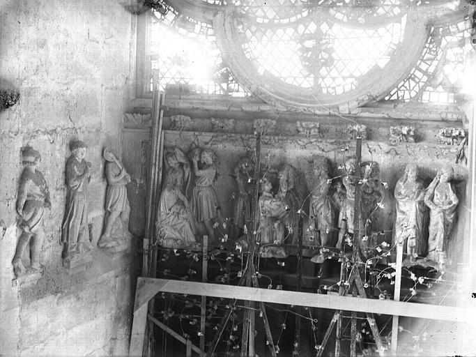 Cathédrale Notre-Dame Portail ouest, revers, linteau, Martyre de saint Etienne, Lajoie, Abel,