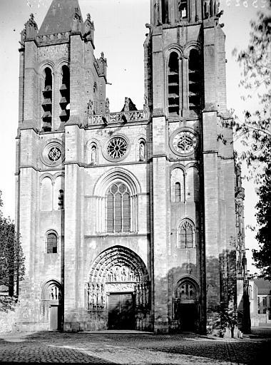 Cathédrale Notre-Dame Façade ouest, Enlart, Camille (historien),