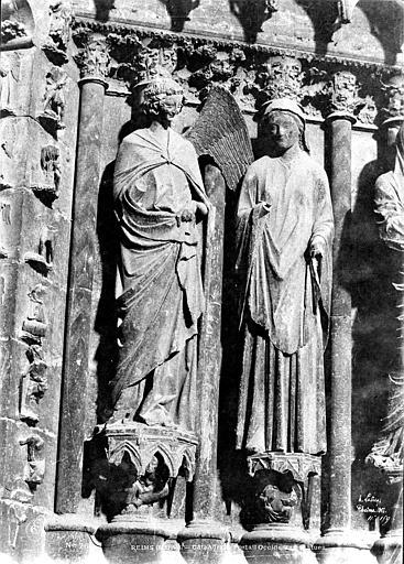 Cathédrale Notre-Dame Portail central de la façade ouest : groupe de l'Annonciation sur l'ébrasement droit, Le Secq, Henri (photographe),