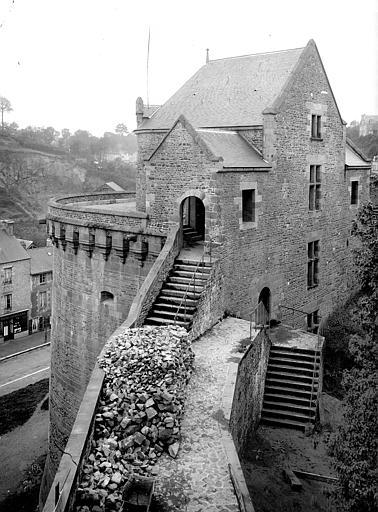 Château Tour Surienne, côté est, Durand, Jean-Eugène (photographe),