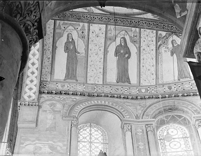 Eglise Sainte-Radegonde Peintures murales du choeur, dans le cul-de-four, côté nord : Religieuses, Gossin (photographe),