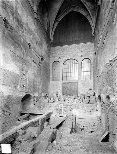 Eglise Saint-Etienne (ancienne) Vue intérieure de la nef, vers l'entrée, Heuzé, Henri (photographe),