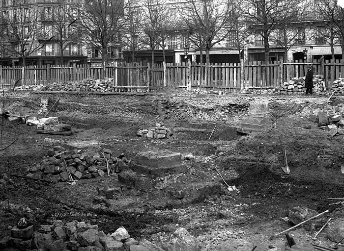 Couvent des Bernardins (ancien) Chapelle, fouilles de mars 1888, Durand, Eugène (photographe),