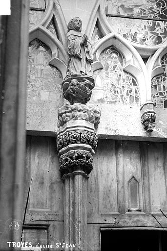 Eglise Saint-Jean Porte nord, statue, Robert, Paul (photographe),