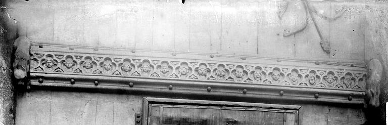 Cathédrale Notre-Dame Détail du vantail de la porte des libraires, Enlart, Camille (historien),