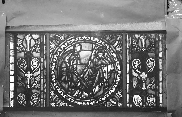 Eglise Saint-Gengoult Vitrail de l'abside, lancette gauche, panneaux supérieurs 12, Romanais (photographe),