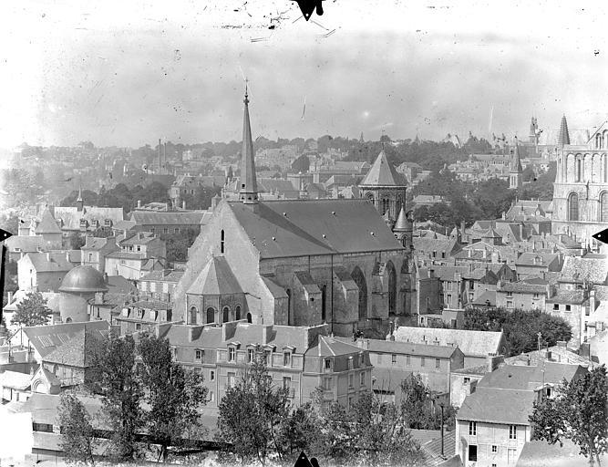 Eglise Sainte-Radegonde Vue générale prise du nord-est, Gossin (photographe),