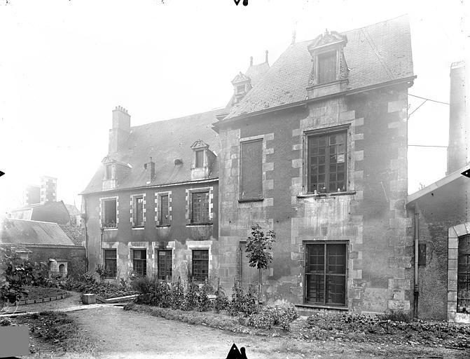 Hôtel de Jean du Moulin de Rochefort (ancien) Façade sur jardin, Gossin (photographe),