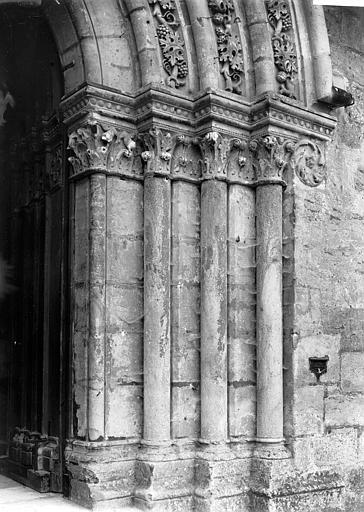 Eglise Saint-Denis Portail de la façade nord : Ebrasement droit, Enlart, Camille (historien),