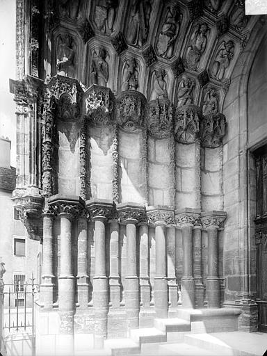 Eglise Saint-Michel Portail nord de la façade ouest : Ebrasement gauche, Heuzé, Henri (photographe),