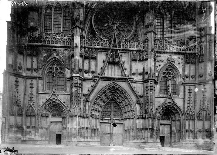 Eglise Saint-Etienne Portail ouest, Enlart, Camille (historien),