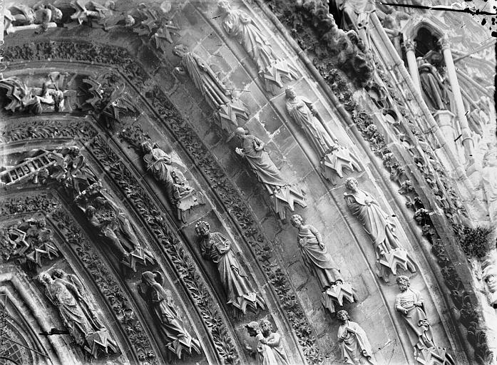 Cathédrale Notre-Dame Portail ouest, porte gauche, voussure de droite, partie supérieure, Lajoie, Abel,