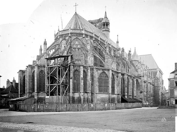 Cathédrale Saint-Cyr-et-Sainte-Julitte Ensemble est, Mieusement, Médéric (photographe),