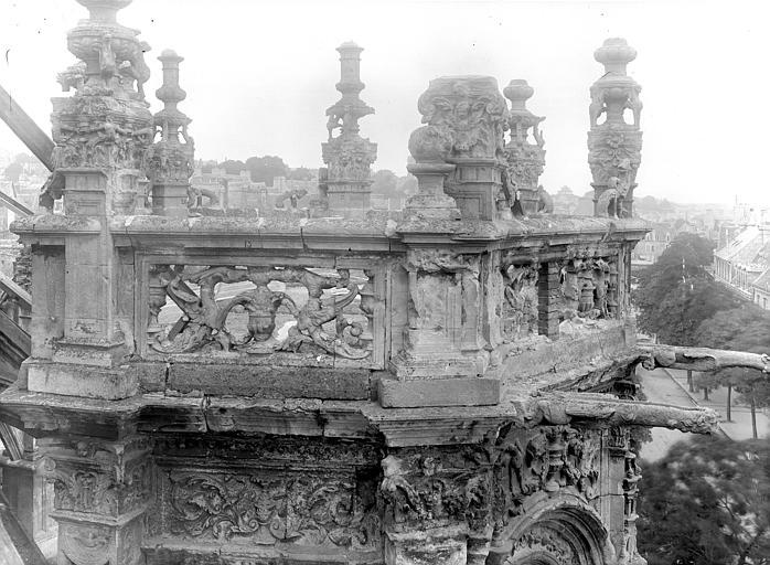 Eglise Saint-Pierre Balustrade, gargouille et pinacles, Durand, Jean-Eugène (photographe),