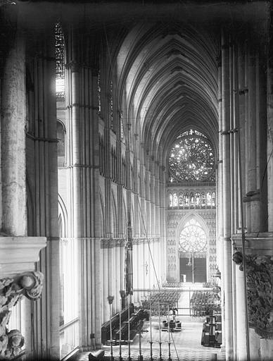 Cathédrale Notre-Dame Nef, vue du choeur, Lajoie, Abel,
