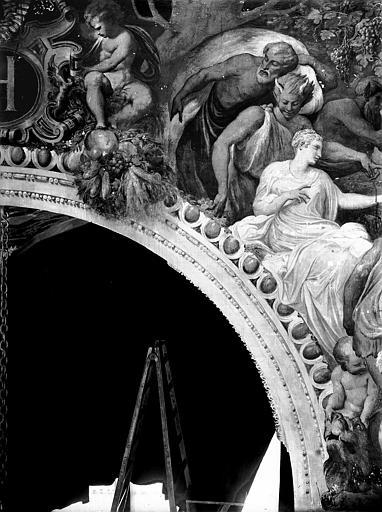 Domaine national, château Peintures murales de la galerie Henri II, partie gauche du groupe de Bacchus, Service photographique,