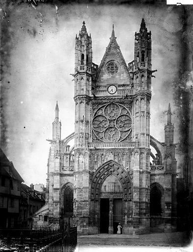 Collégiale Notre-Dame Façade ouest, Enlart, Camille (historien),
