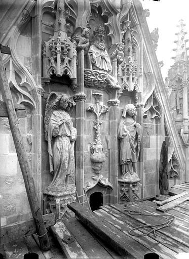 Cathédrale Notre-Dame Pignon du bras nord du transept, Annonciation, après restauration, Lajoie, Abel,
