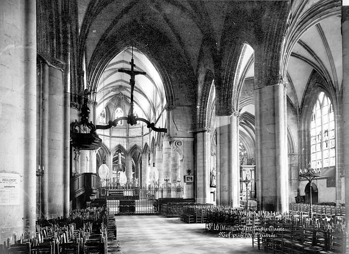 Eglise Notre-Dame Vue intérieure de la nef, vers le choeur, Mieusement, Médéric (photographe),