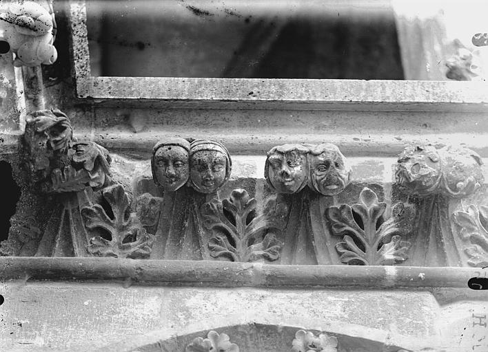 Cathédrale Notre-Dame Têtes formant crochets de corniche, Lajoie, Abel,