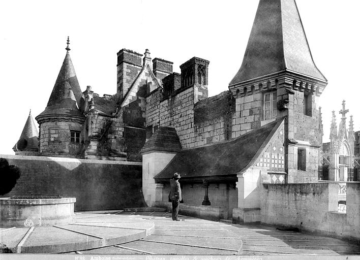 Château Tourelles et souches de cheminées prises de la terrasse supérieure de la tour des Minimes, Mieusement, Médéric (photographe),