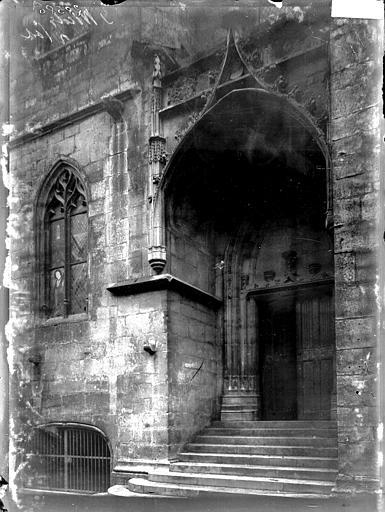 Basilique Saint-Nicolas Portail latéral, Enlart, Camille (historien),