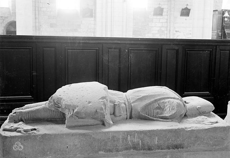 Abbaye Saint-Nicolas (ancienne) Eglise : Tombeau avec gisant, Robert, Paul (photographe),