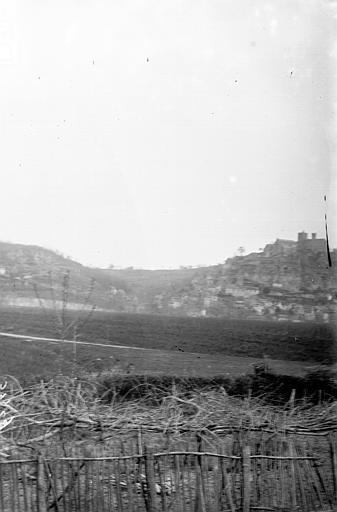 La ville vue des champs, Enlart, Camille (historien),