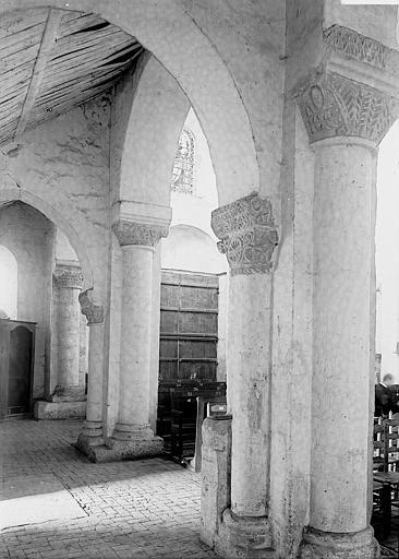 Eglise Bas-côté, Enlart, Camille (historien),