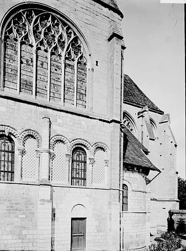 Eglise Saint-Taurin Transept: extérieur, Enlart, Camille (historien),