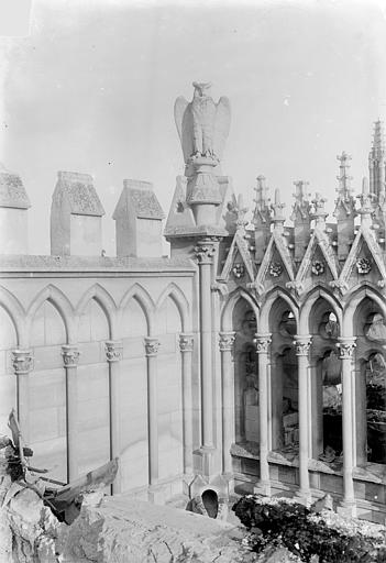 Cathédrale Notre-Dame Façade nord : Balustrade et galerie, Sainsaulieu, Max (photographe),
