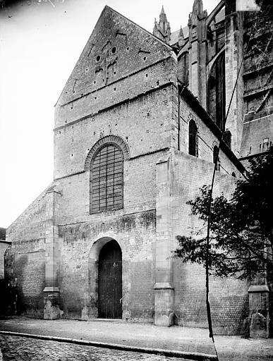 Cathédrale Notre-Dame-de-la-Basse-Oeuvre (ancienne) Façade et entrée, Enlart, Camille (historien),