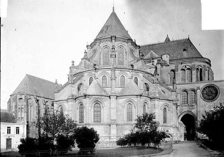 Cathédrale Notre-Dame Ensemble est, Enlart, Camille (historien),