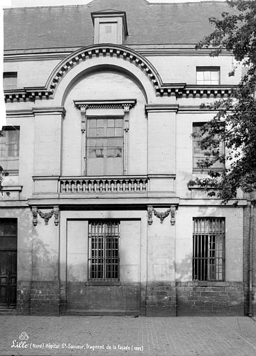Hôpital Saint-Sauveur Façade, Robert, Paul (photographe),