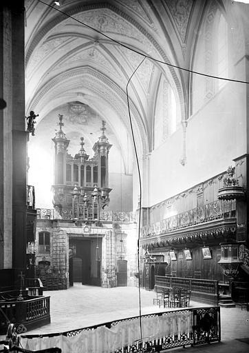Cathédrale Notre-Dame-de-la-Sède Vue intérieure de la nef, vers l'entrée, Mieusement, Médéric (photographe),