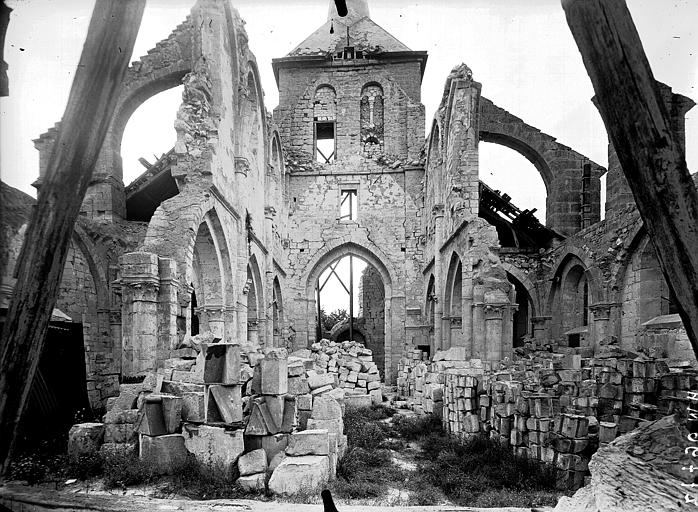 Eglise Saint-Lambert Nef, vue du choeur, Service photographique,